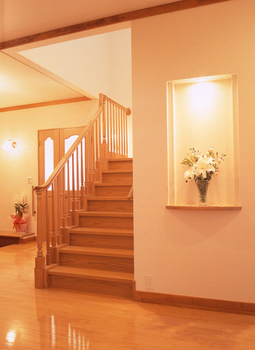 こういう形の階段の手すりと玄関は大好きです個人的に.png