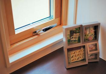 スウェーデンハウスの3層窓.png