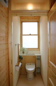 スウェーデンハウス風トイレ画像.png