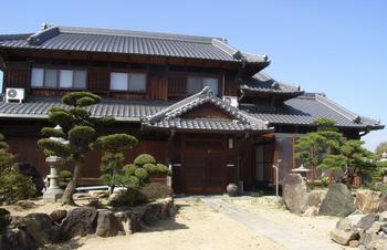 古き良き時代の日本邸.png