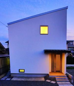 変形四角形の家.png