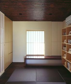 天井が渋い竹の和モダンな書斎.png