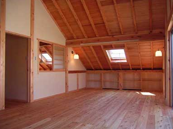 屋根の下の部屋.png