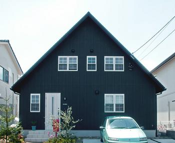 屋根の形が北欧風に感じる.png