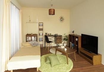 木のぬくもりを感じる寝室兼くつろぎ部屋兼書斎.png
