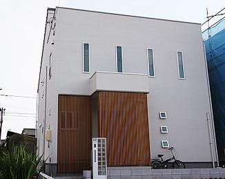 格子を付けるだけで雰囲気が出る新築ホーム.png