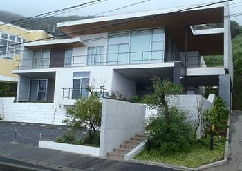 郷ひろみの別荘らしい家.png