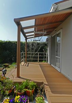 陽の入る屋根構造と広さが素敵.png