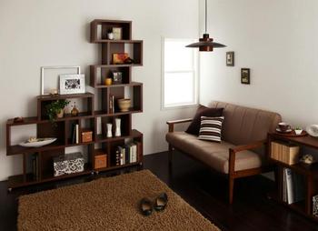 置いてある棚がおしゃれなデザインの部屋は実はカフェ風なのかな!?.png